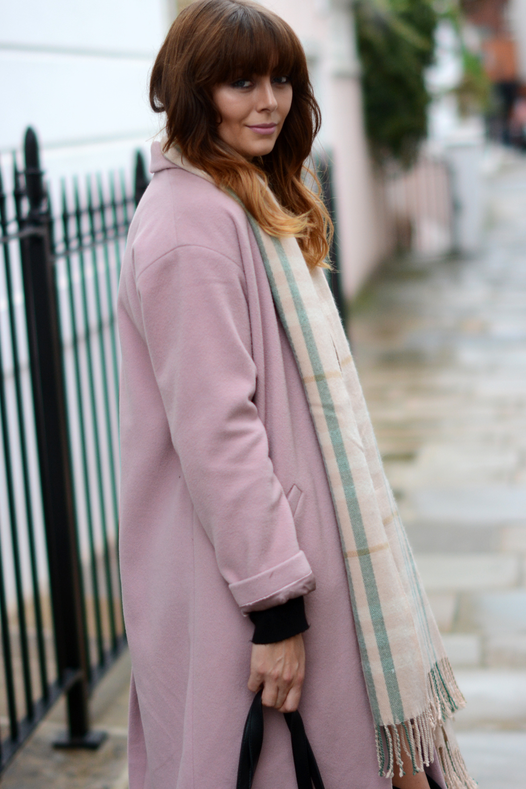 EJSTYLE - Pink Coat, Pink Grey blanket scarf, 60's style, Fall Autumn OOTD, influential fashion blogger London