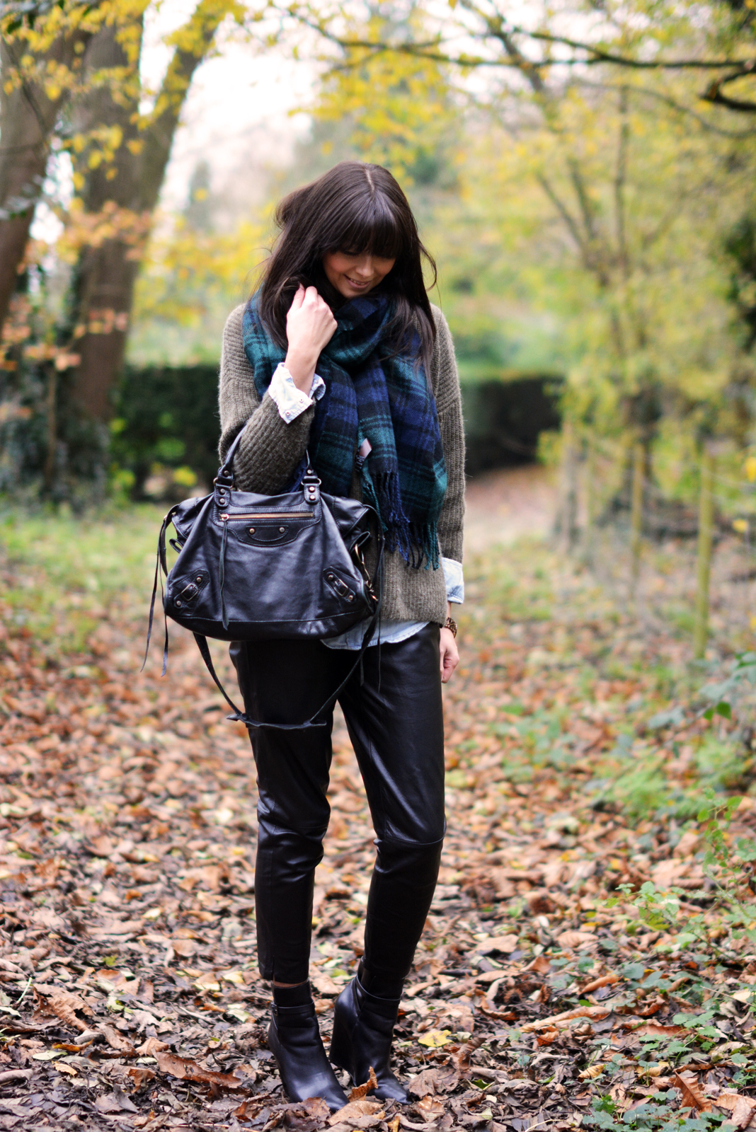 EJSTYLE - Autumn Fall street style OOTD, green tartan blanket scarf, khaki topshop jumper, denim shirt, Warehouse peg leg leather trousers, KG wedge black boots