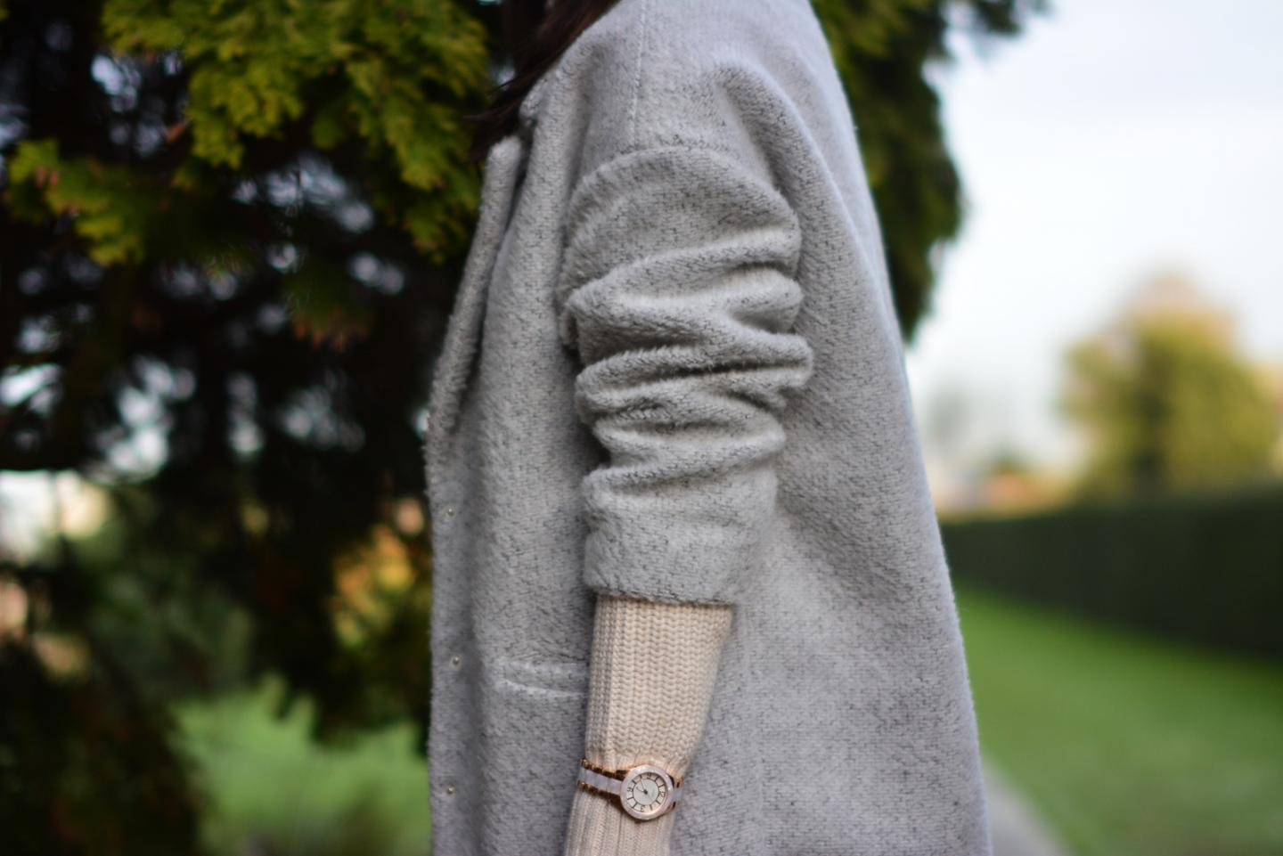 EJSTYLE - winter whites OOTD, grey primark coat, Cream topshop roll neck sweater jumper, Guess ceramic watch rose gold