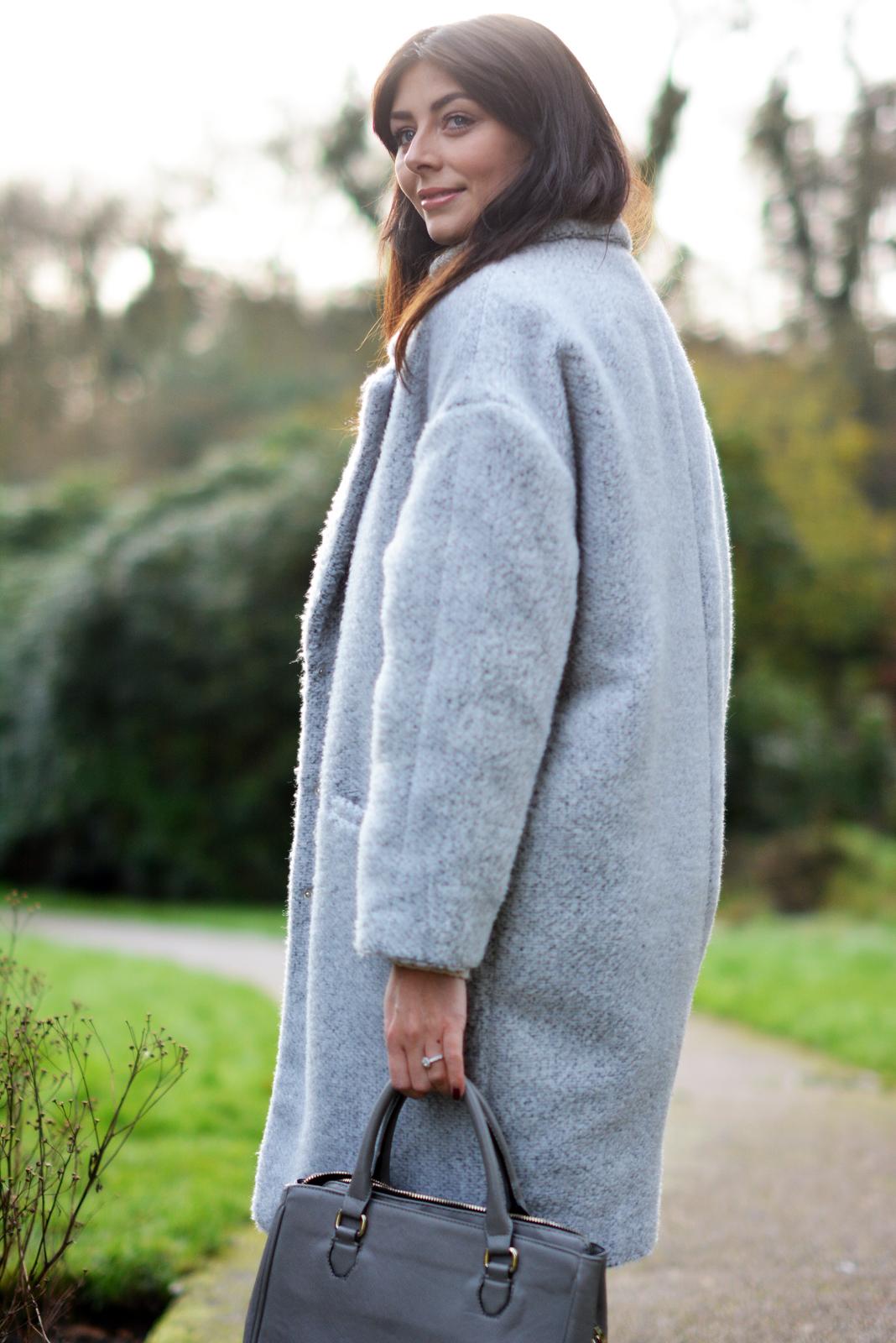 EJSTYLE - winter whites OOTD, grey primark coat teddy