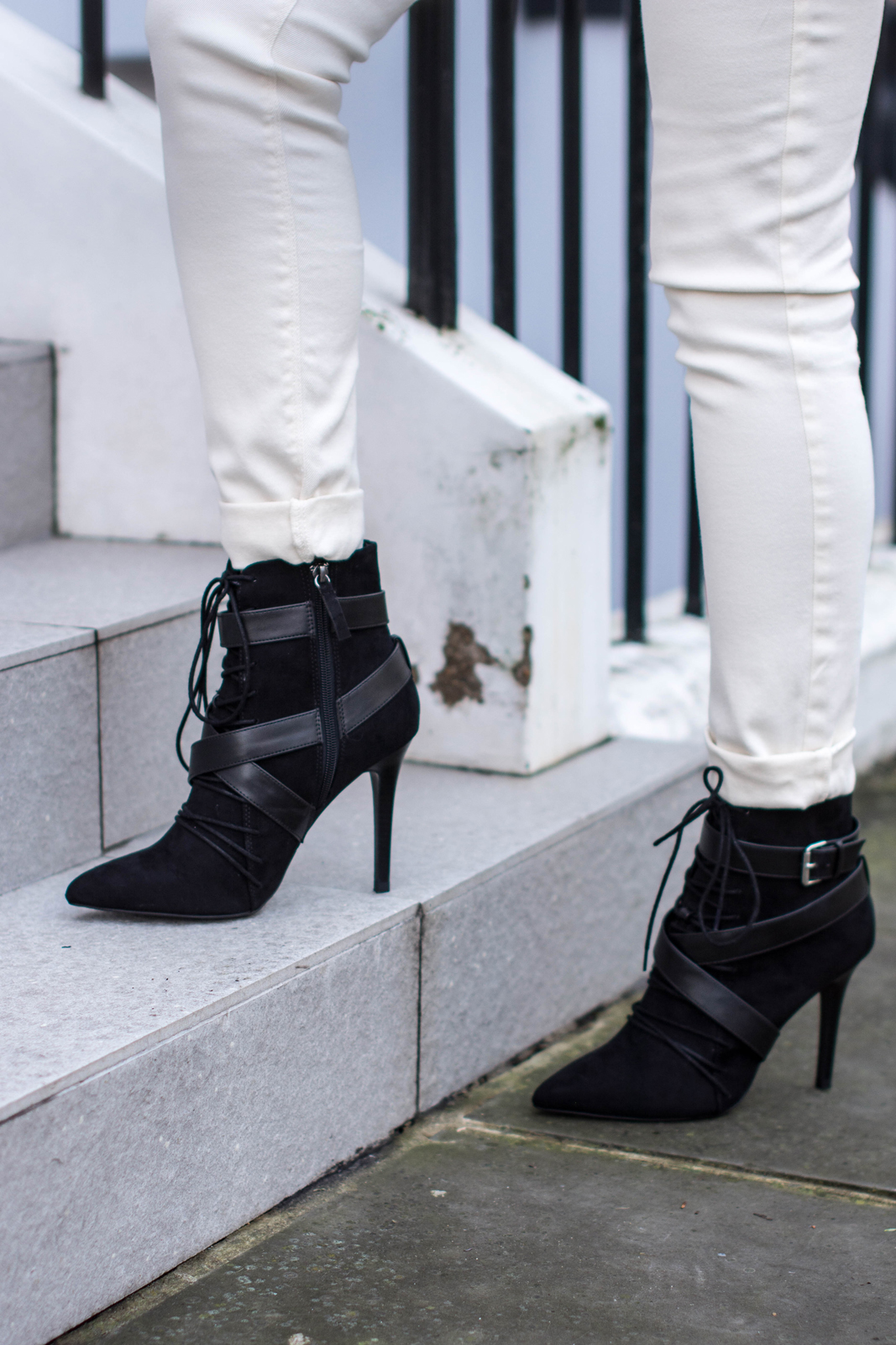 EJSTYLE - Zara TRF white jeans, Zara lace up ankle boots, Isabel Marant Inspired look