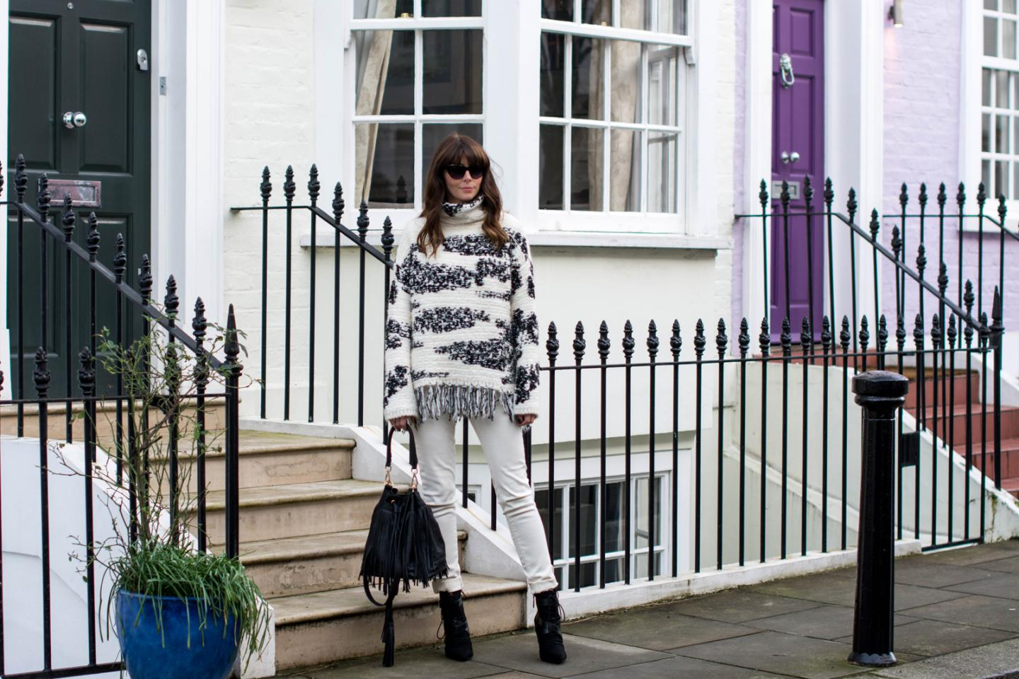 EJSTYLE - Zara fringe black white jumper, Zara TRF white jeans, Zara lace up ankle boots, Isabel Marant Inspired look, H&M fringed bucket bag, OOTD, fashion blogger