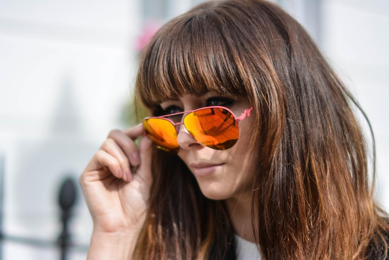 EJSTYLE - Emma Hill, Kurt Geiger Aviator mirror lens sunglasses, Victoria Beckham style VB aviators