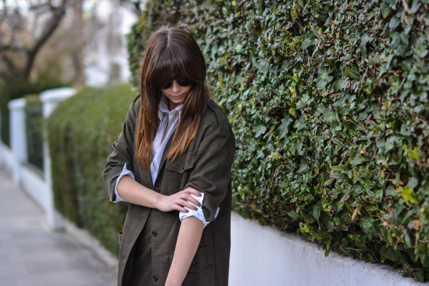 EJSTYLE - Emma Hill, London street style LFW, Khaki asos coord, asos khaki long jacket, asos white backless shirt
