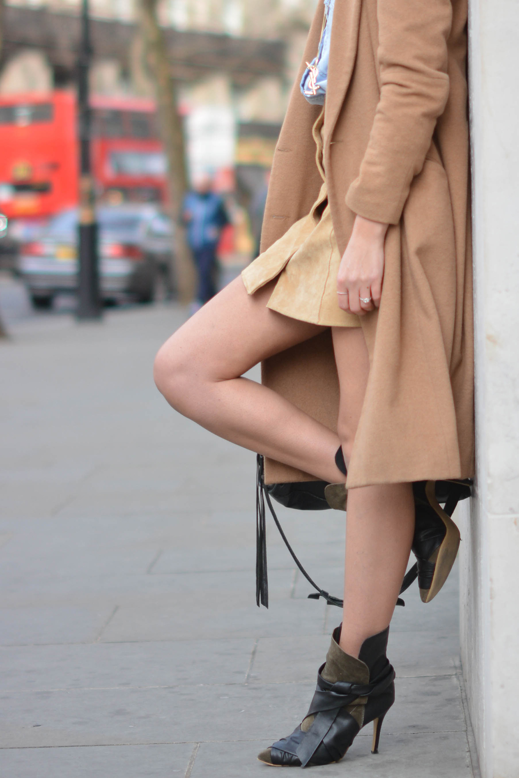 EJSTYLE - Emma Hill, denim shirt, camel coat, suede popper skirt miss selfridge, 70s style, Isabel Marant boots, street style, OOTD, fashion blogger, SS15, Jessica Buurman boots