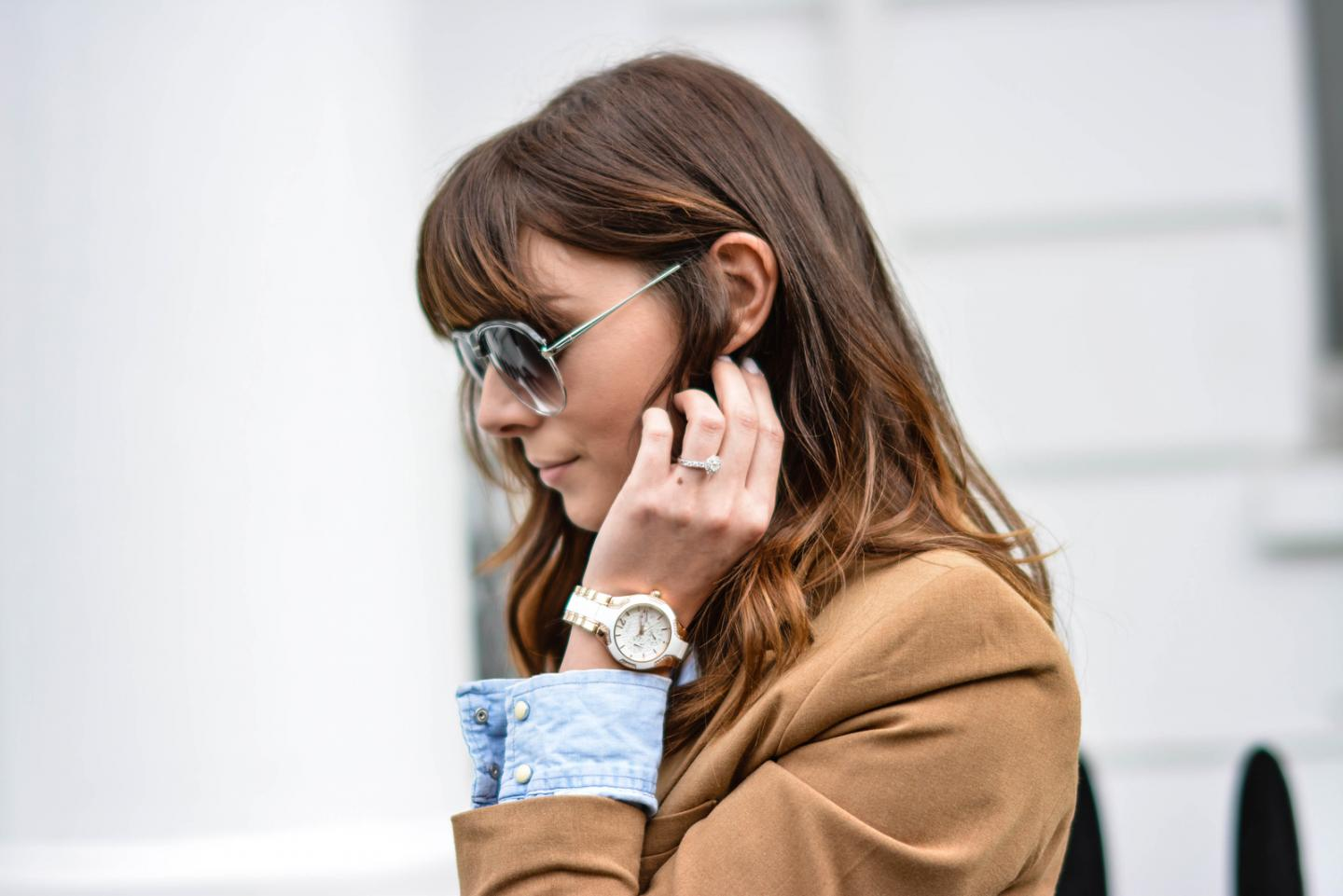 EJSTYLE - Emma Hill, Guess silcone gold watch, Denim shirt, forever 21 camel blazer, street style london