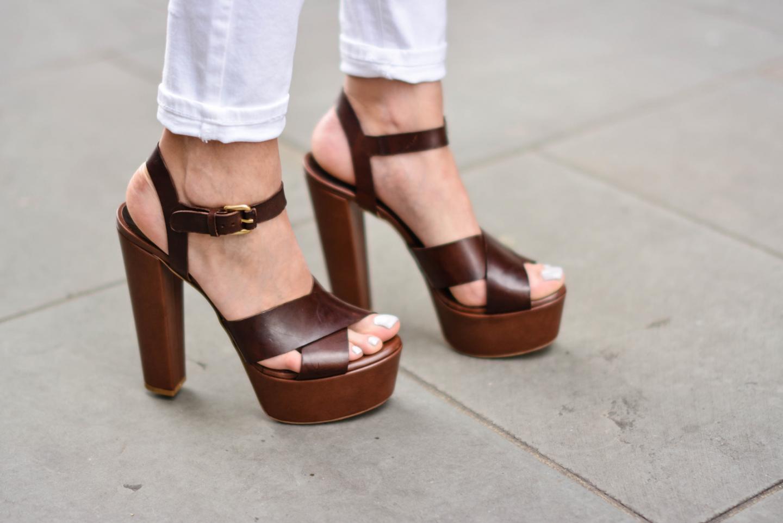 EJSTYLE - Emma Hill, River Island white skinny jeans, Sante shoes brown platform sandals