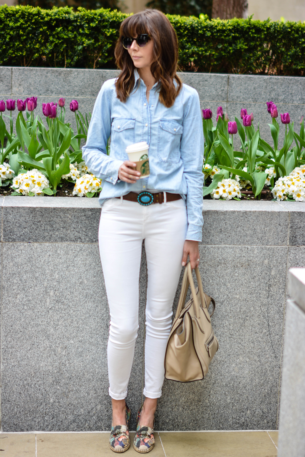 EJSTYLE - Emma Hill, River Island white skinny jeans, Topshop denim shirt, Turquoise brown leather belt, Celine mini luggage nude, Valentino Butterfly espadrilles