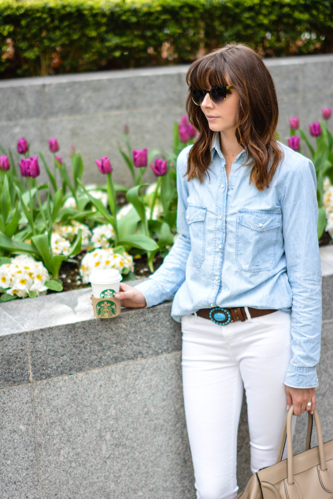 EJSTYLE - Emma Hill, River Island white skinny jeans, Topshop denim shirt, Turquoise brown leather belt, Celine mini luggage nude, cat eye sunglasses