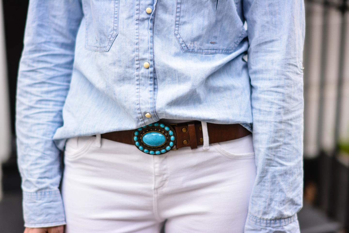 EJSTYLE - Emma Hill, River Island white skinny jeans, Topshop denim shirt, Turquoise brown leather belt