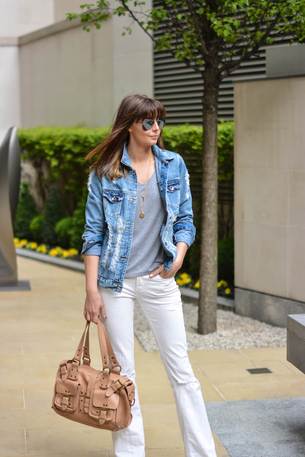 EJSTYLE - Emma Hill, forever 21 ripped denim jacket, basic grey v neck t shirt, Mulberry Ronxanne bag nude, white flare jeans from Zara, spring summer OOTD
