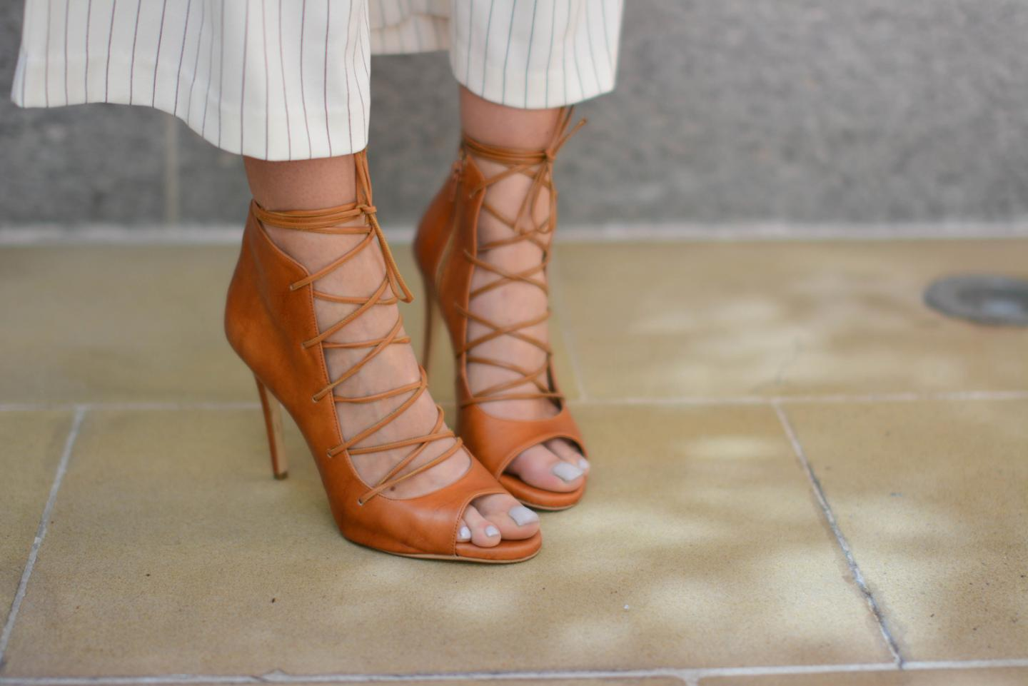 EJSTYLE - Emma Hill wearing tan lace up heels