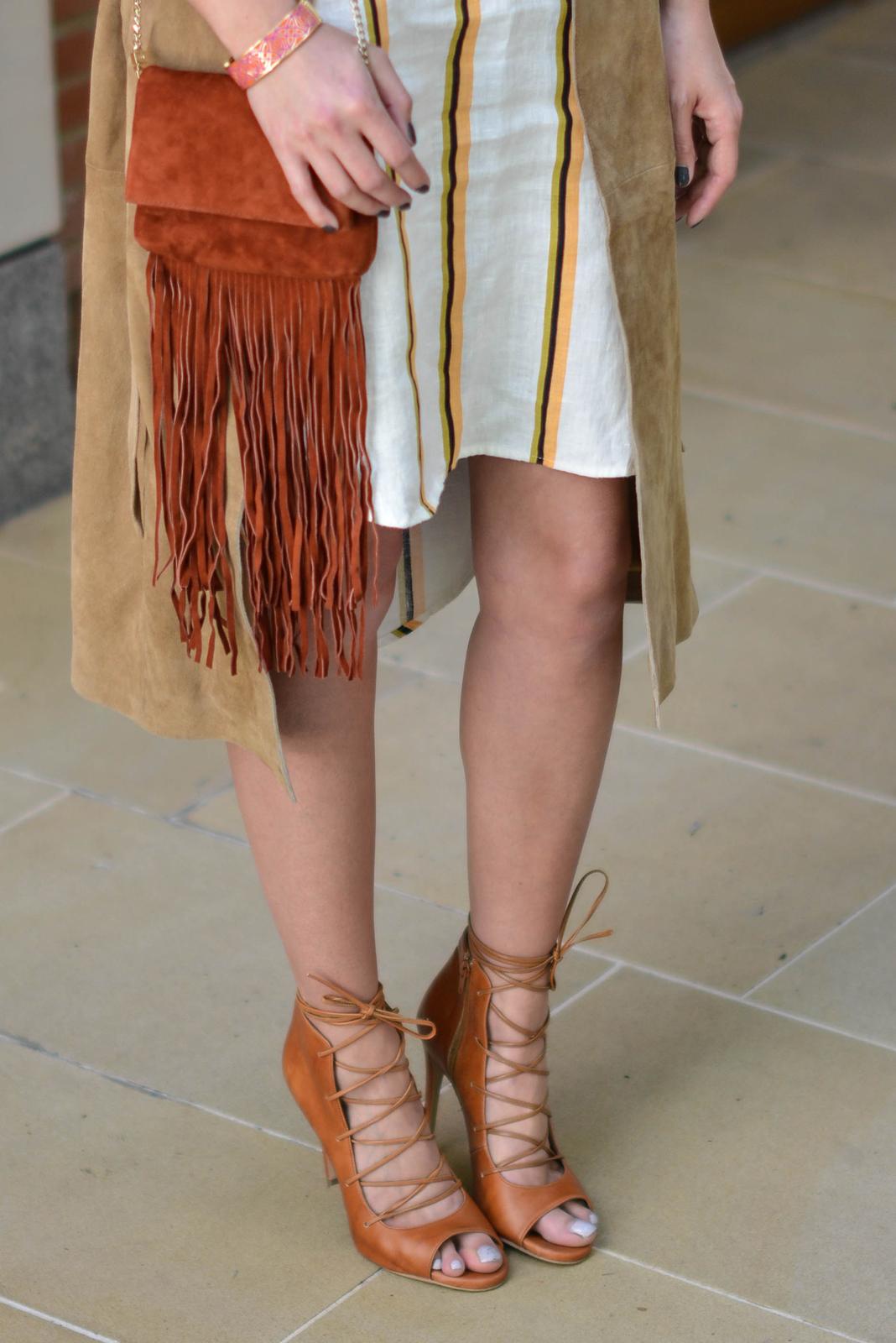 f3448fe671e ... EJSTYLE - Emma Hill wears H&M linen stripe shirt dress, Gestuz suede  trench coat,