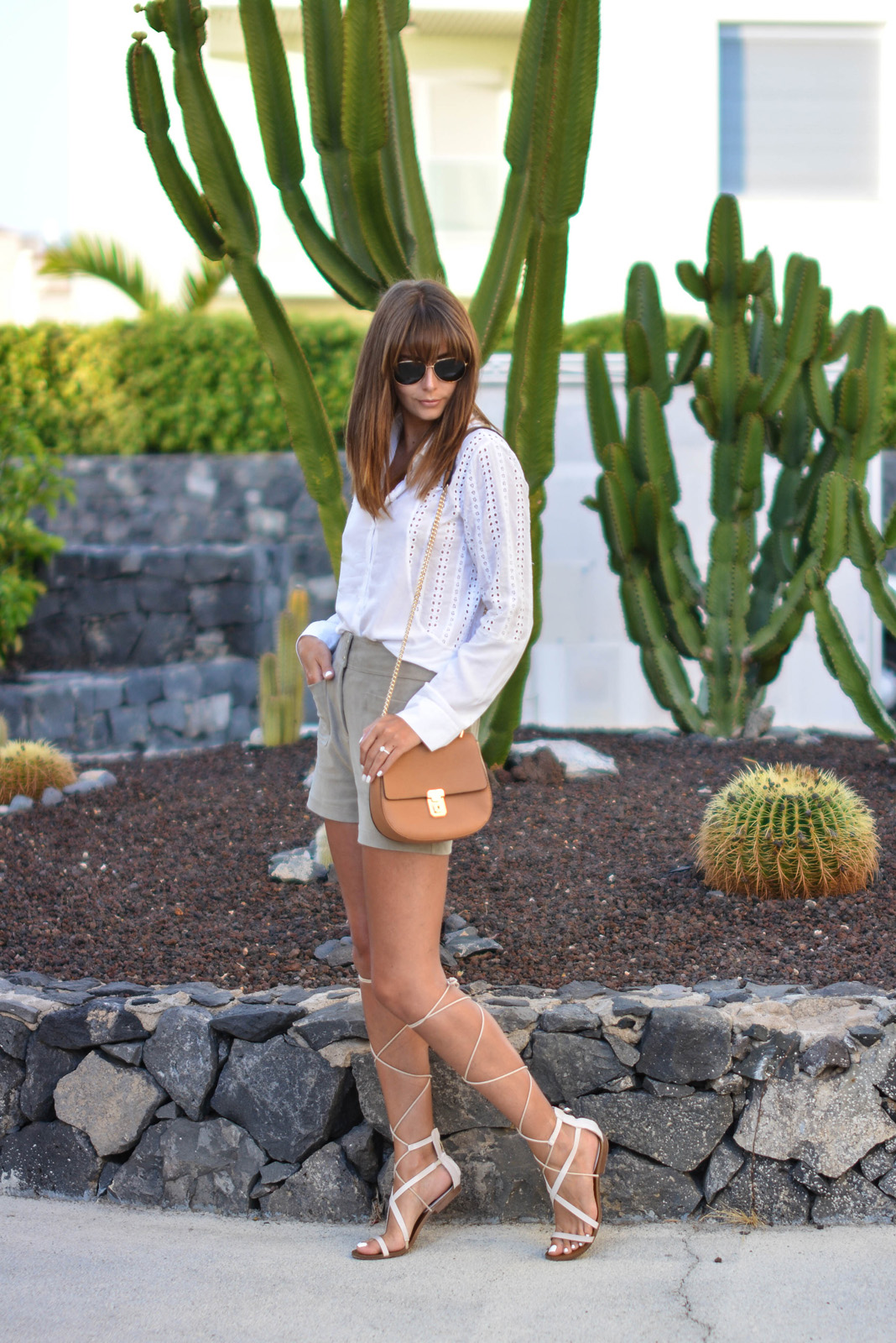 EJSTYLE - Emma Hill wears white broderie anglaid shirt, M&S faux suede front pocket shorts, Mango tie up gladiator sandals, Forever 21 Chloe Drew dupe bag, OOTD