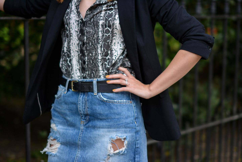 EJSTYLE - snakeskin print shirt, black blazer, denim mini skirt, black leather belt