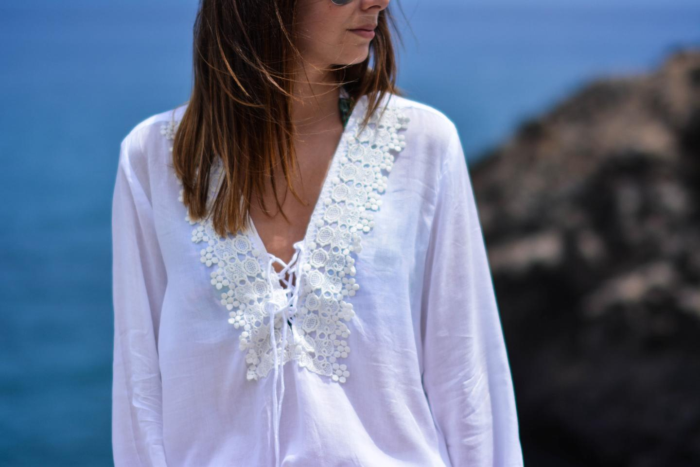 EJSTYLE - Emma Hill wears Cool Change Chloe Romance white tunic from Beach Cafe UK