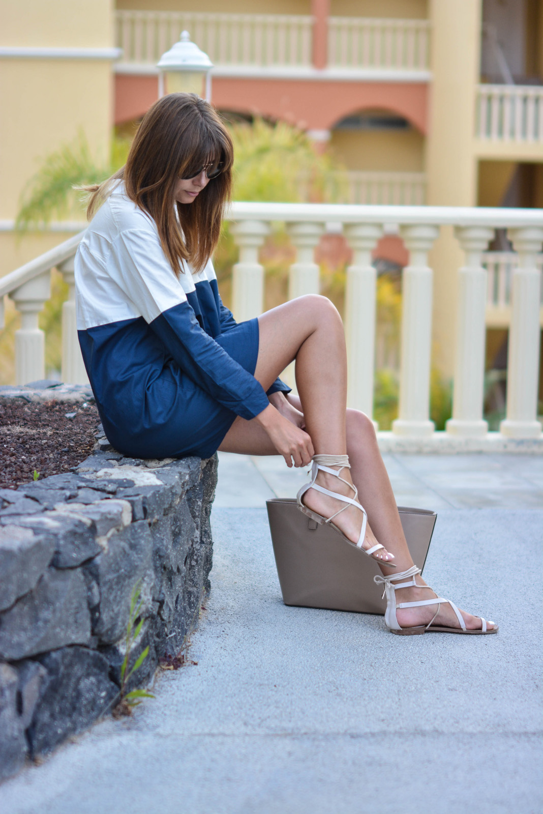 EJSTYLE - Emma Hill wears Navy & White colour block shirt dress, Mango tie gladiator sandals, Mango Saffiano tote bag, OOTD, holiday vacation outfit