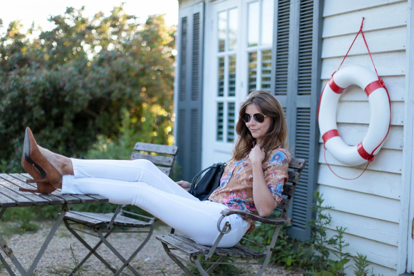 EJSTYLE - Emma Hill wears Next tan suede flare heel court shoes pumps, white skinny jeans, 70s retro floral print shirt, aviator sunglasses, weekend OOTD