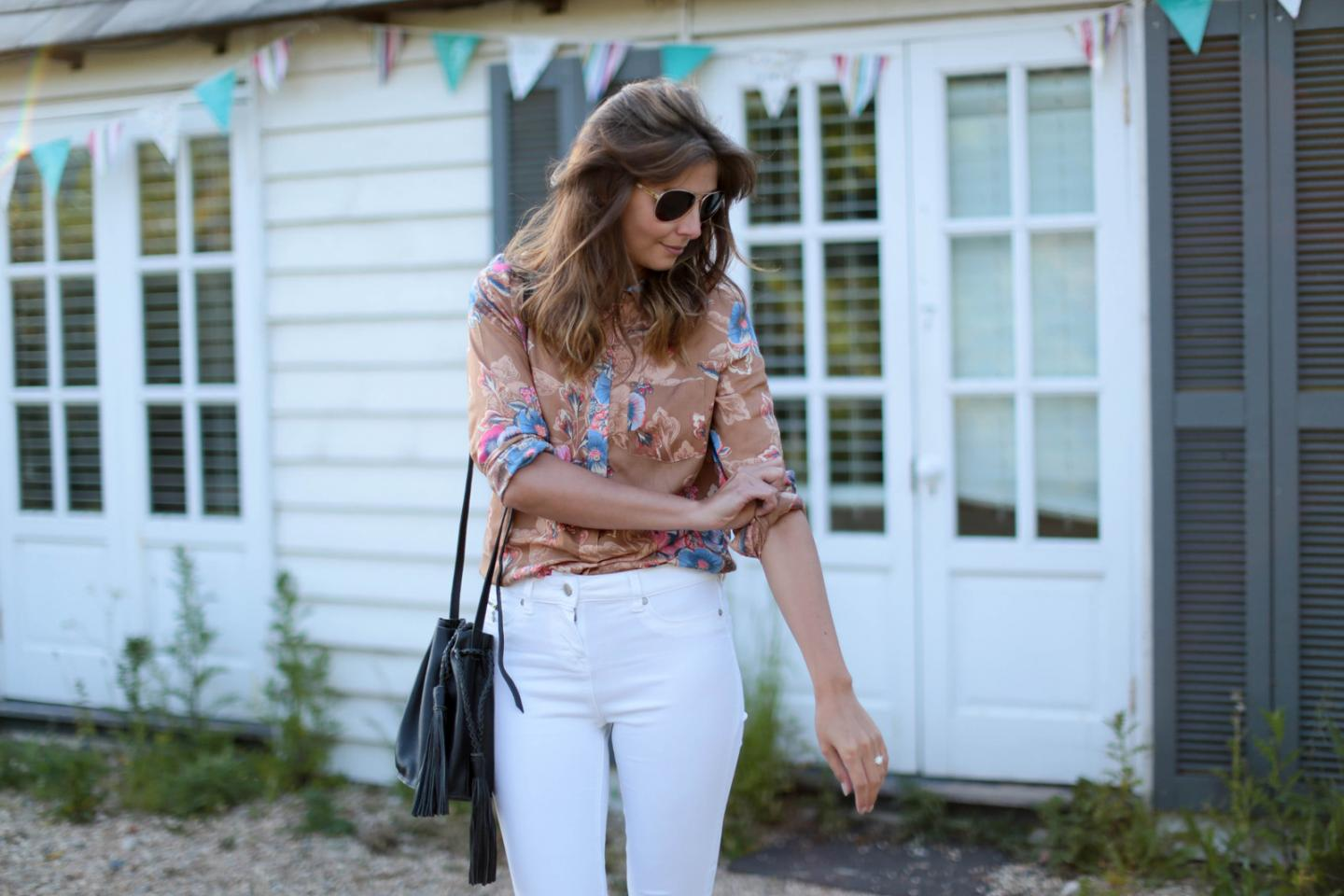 EJSTYLE - Emma Hill wears Next white skinny jeans, 70s retro floral print shirt, aviator sunglasses, black tassel bucket bag, weekend OOTD