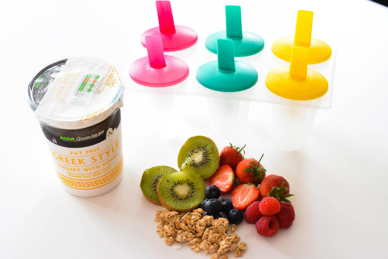 EJSTYLE - breakfast greek yoghurt, fruit and granola lollies