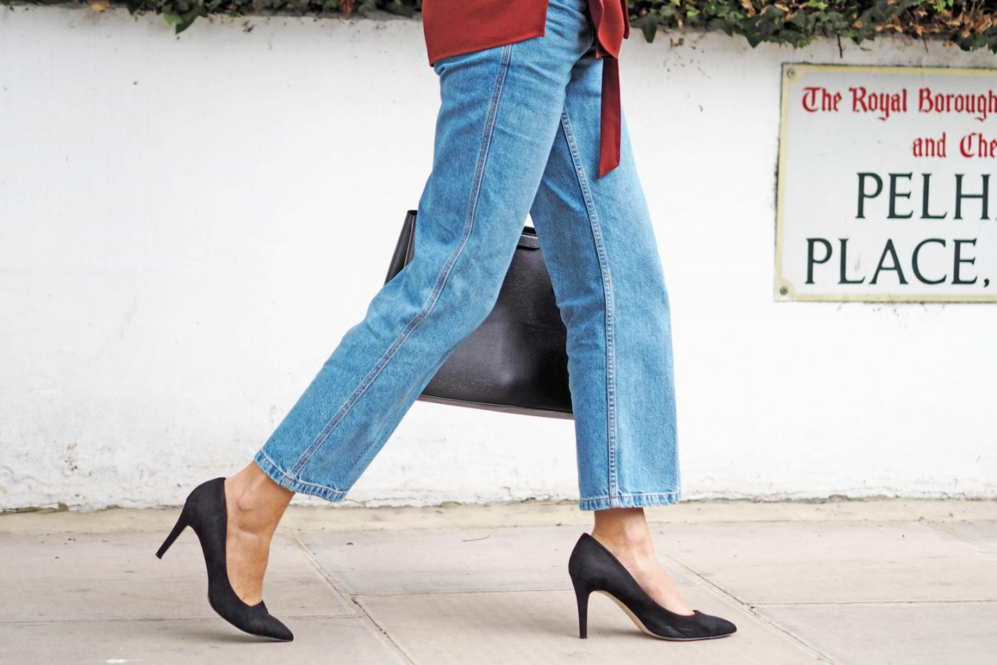 EJSTYLE wears Topshop cropped wide leg jeans, black pointed pumps