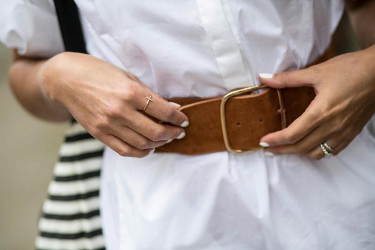 white shirt dress, chunky tan suede belt, gold cross ring