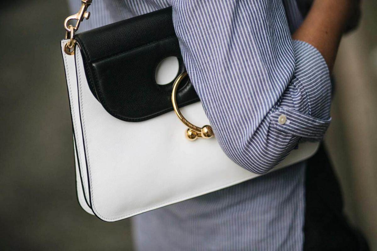 JW Anderson Piercing bag, monochrome, IT bag, AW16, pinstripe blue shirt, street style