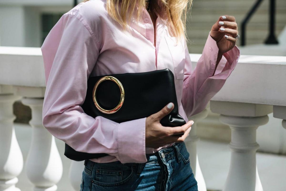 pink shirt, mens shirt, street style trend, AW16 trend, how to wear pink, ring detail clutch bag