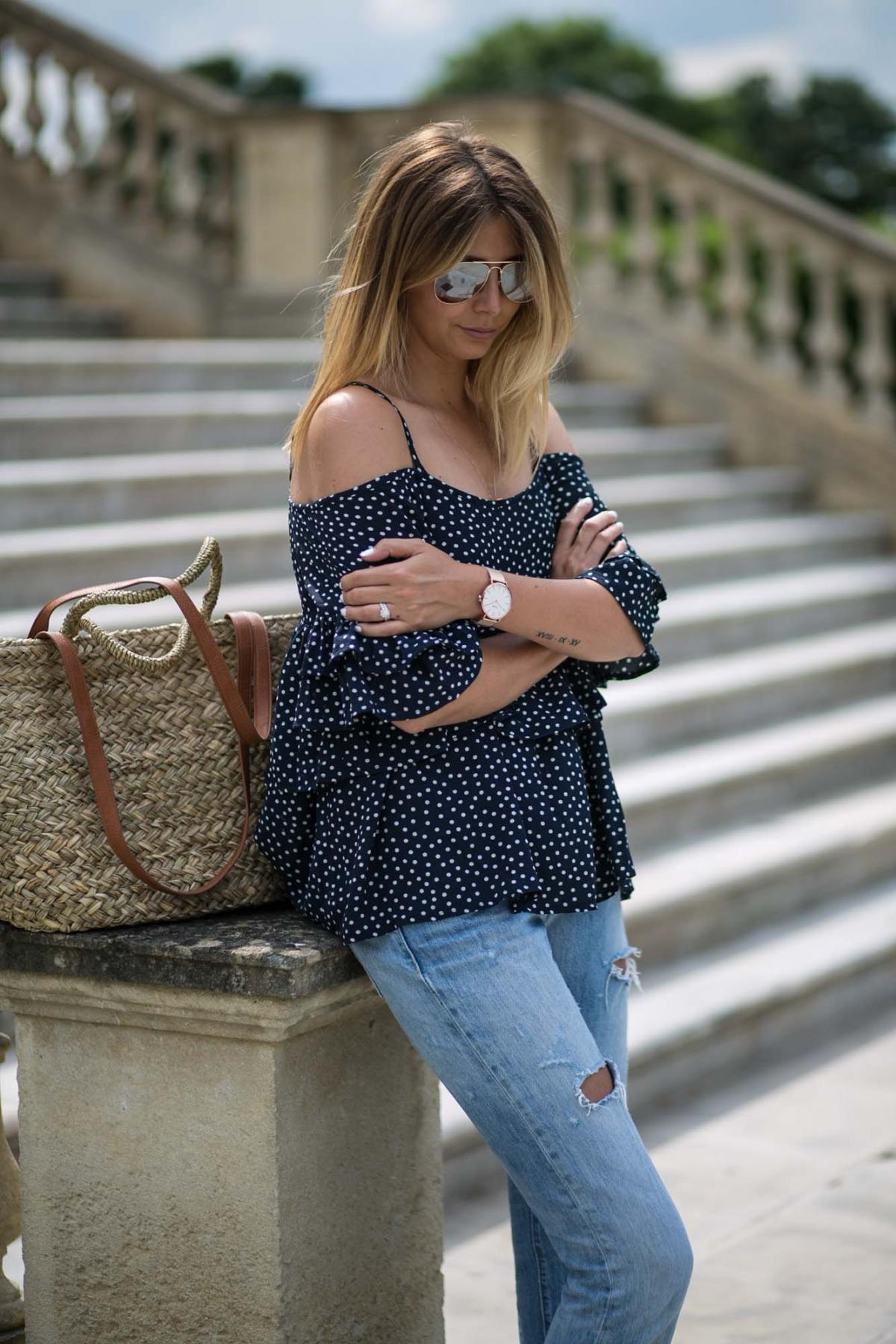 navy polkadot cold shoulder ruffle tiered top, boyfriend jeans, summer outfit, rose gold metal watch, cause watches, balayage hair