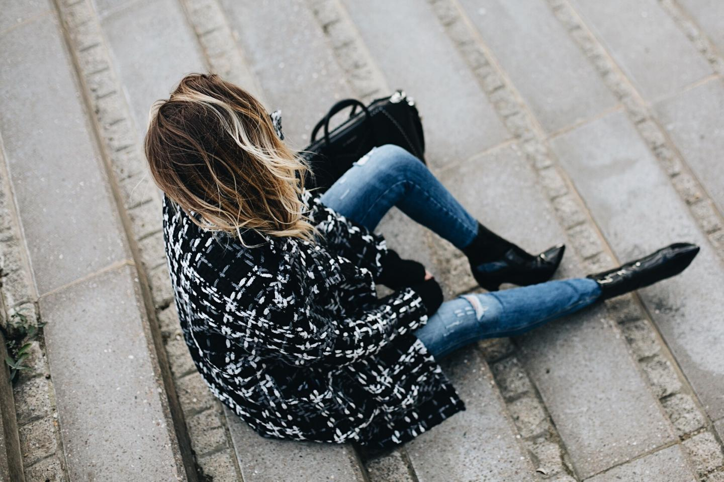 monochrome winter coat, black Givenchy studded Antigona bag medium, ripped skinny jeans, vinyl patent black heeled ankle boots, chic winter outfit