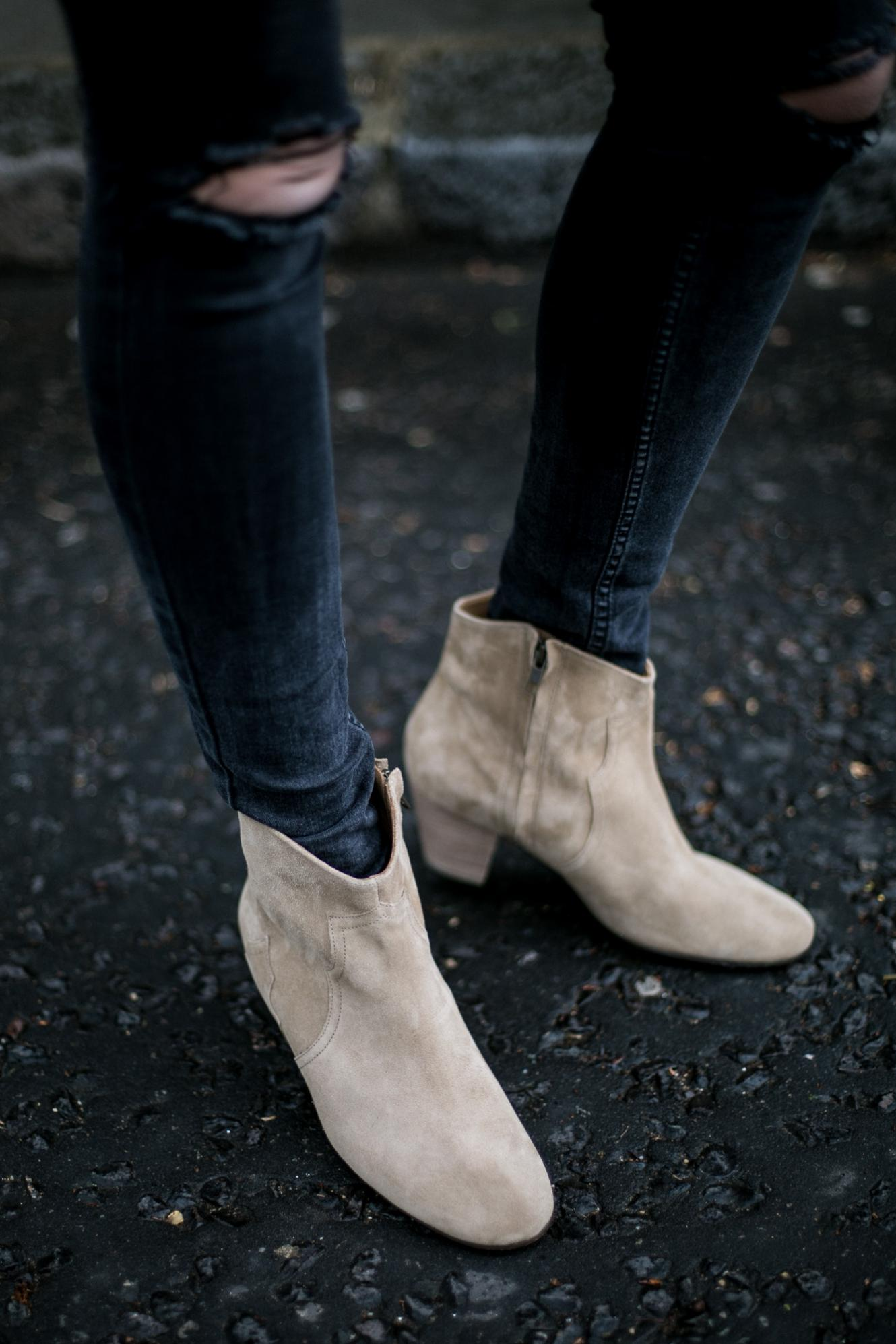 black skinny jeans, beige suede Isabel marant dicker boots
