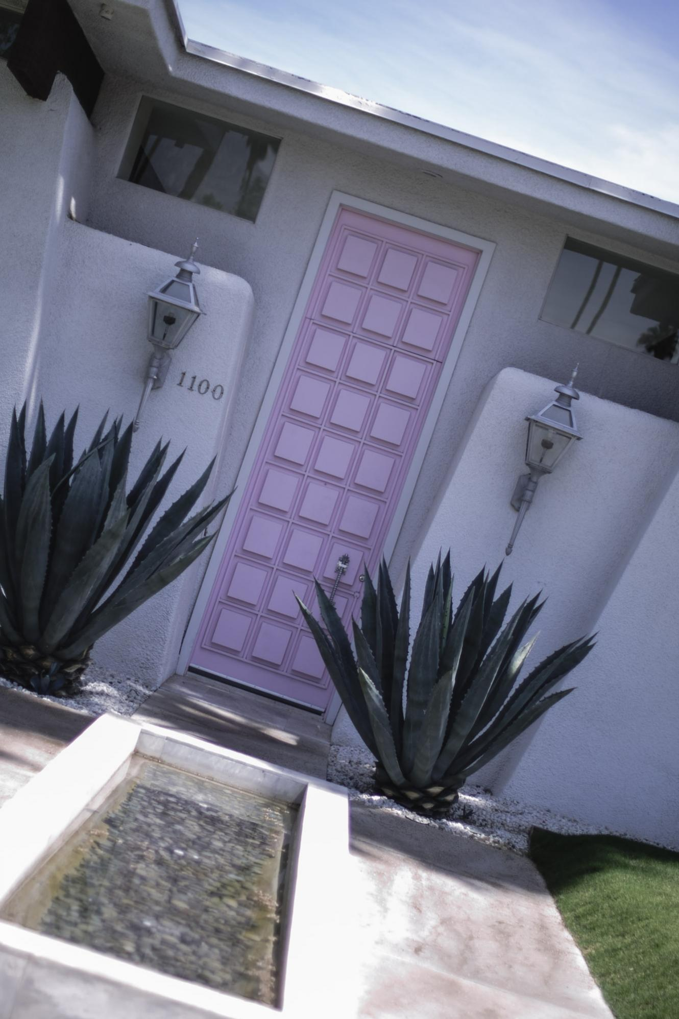 EJ Style | That Palm Springs Pink Door
