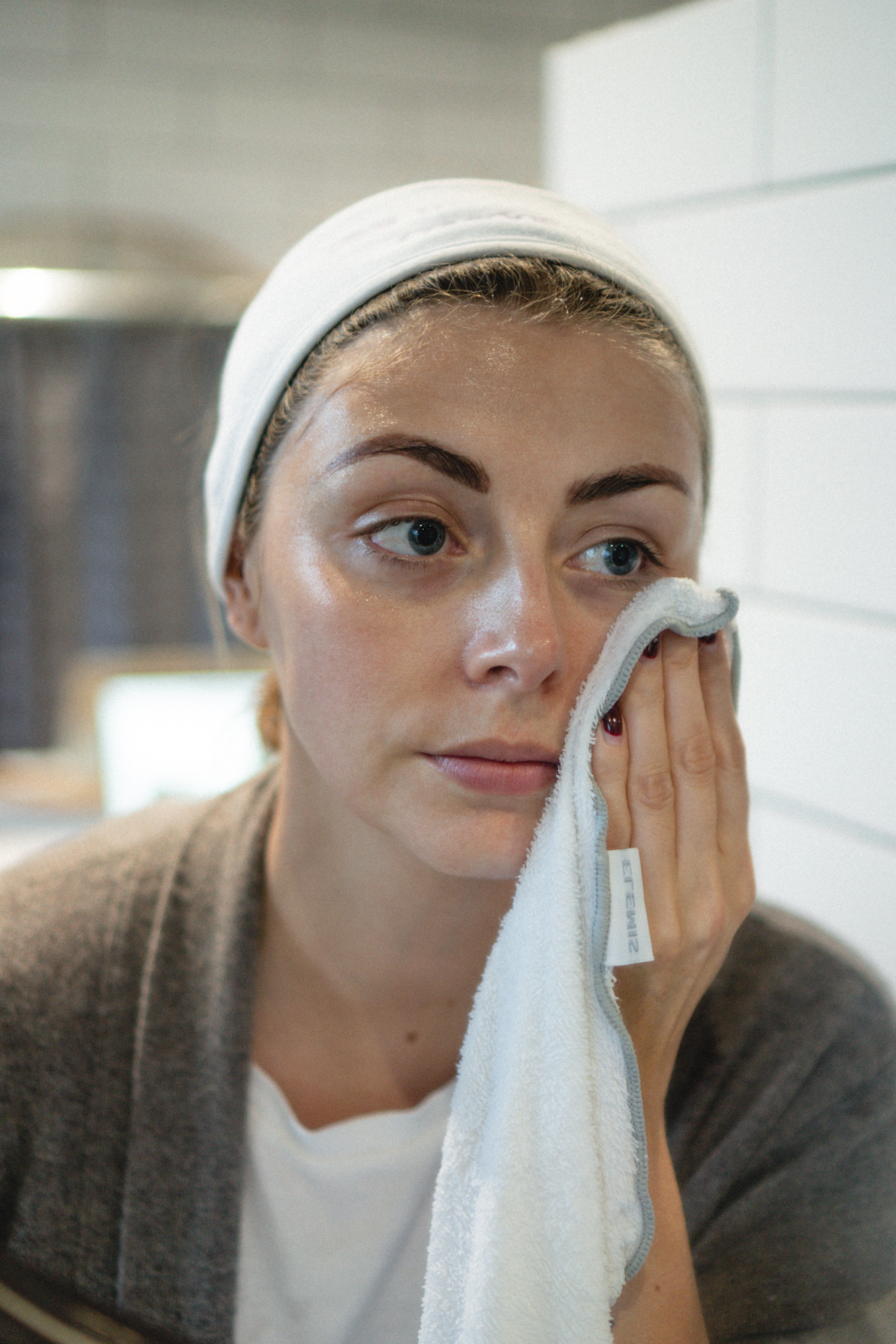how to layer your skincare the right way-3