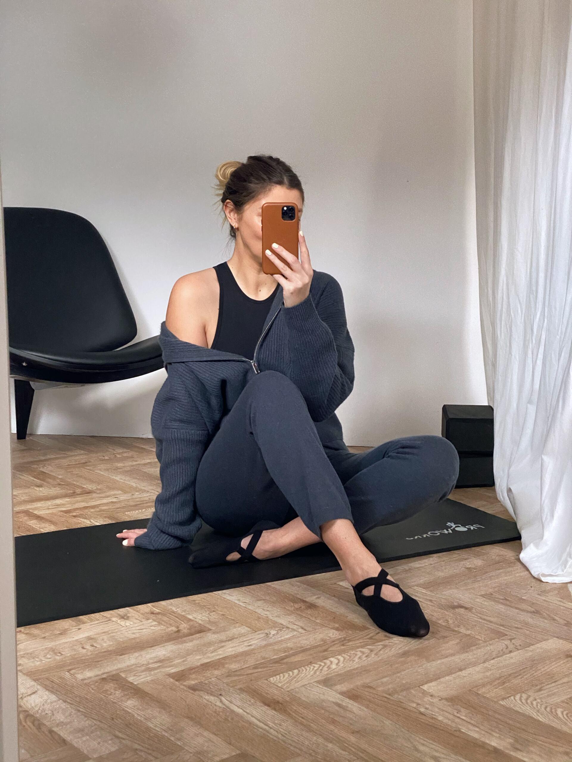 Yoga in cashmere